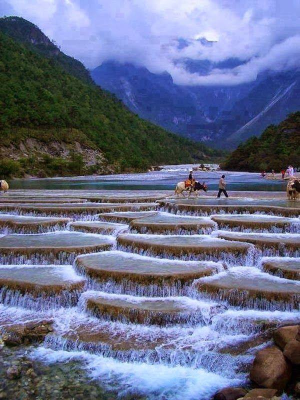 The Blue Moon Valley, Lijiang China